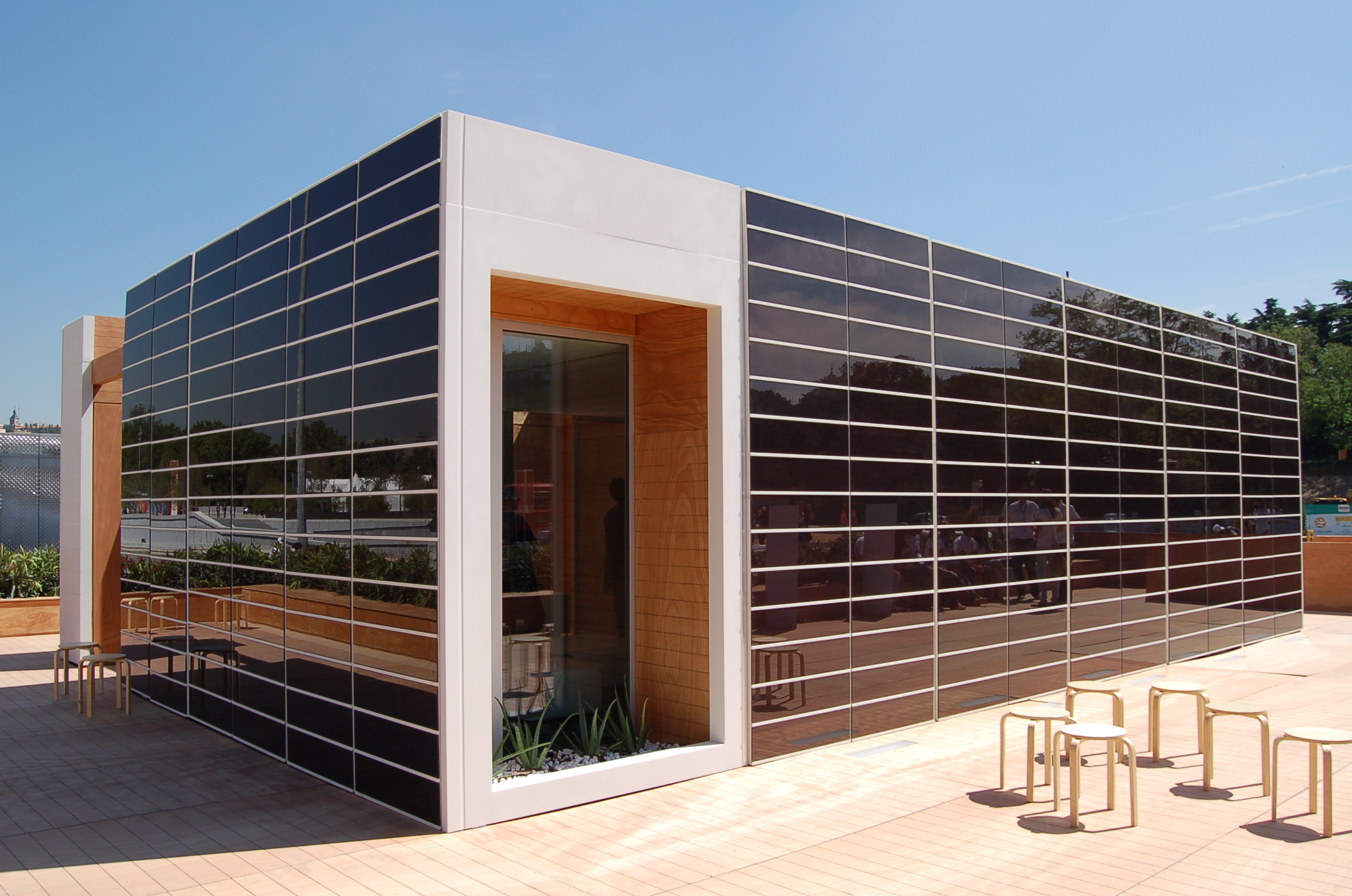 Solar decathlon go green with onyx for Solar homes